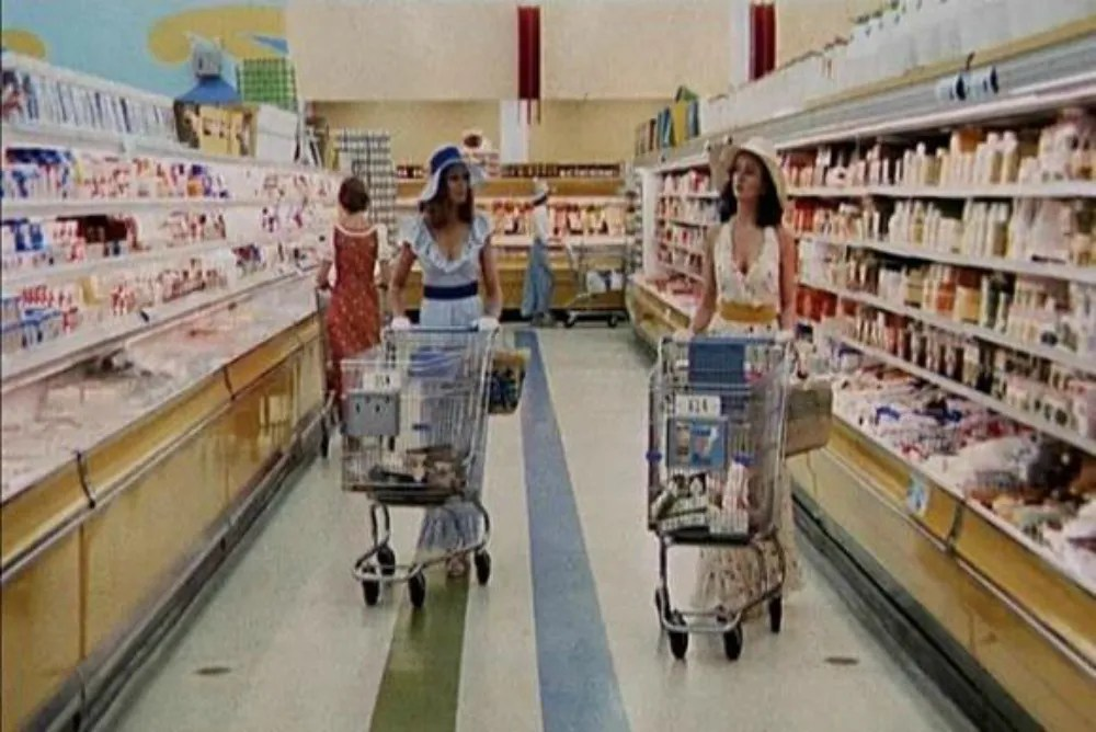 Stepford wives go shopping