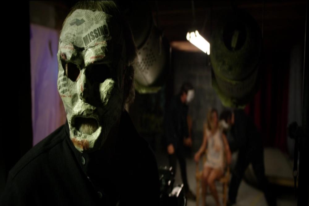 2-the-neighbor-masks-kidnap-scene