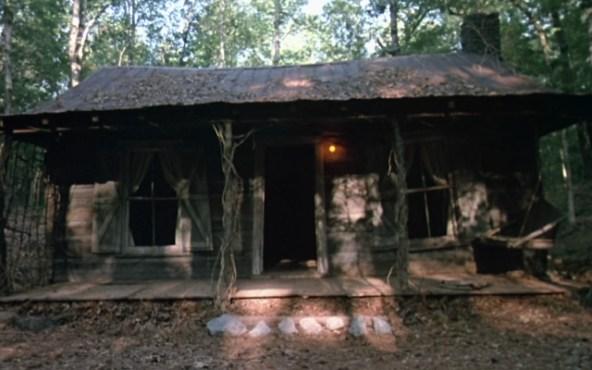 Evil-Dead-La-Casa-film-1981_chalet