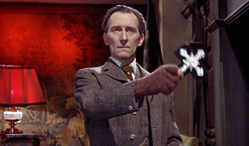 Peter Cushing in Brides of Dracula
