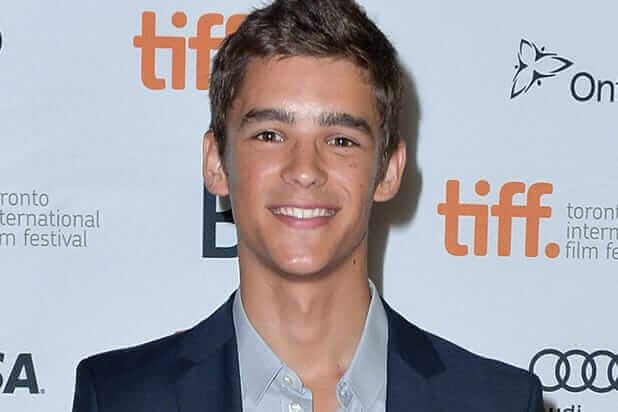 Obamaland >> Brenton Thwaites to Stage an 'OFFICE UPRISING' in New Zombie Film! | Horror Society