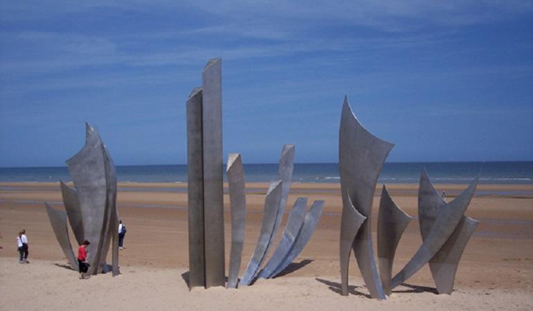 Omaha Beach, Normandia. Il monumento in memoria dei caduti dell'Operazione Overlord