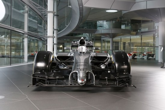 La nuova McLaren-Mercedes Mp4/29 presentata oggi