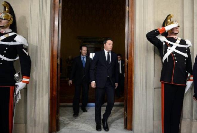 Matteo Renzi Il premier incaricato dal presidente della repubblica Giorgio Napolitano arriva nella sala per riferire l'esito dell'incontro ai giornalisti  al Quirinale Roma, 17 febbraio 2014. ANSA/Maurizio Brambatti