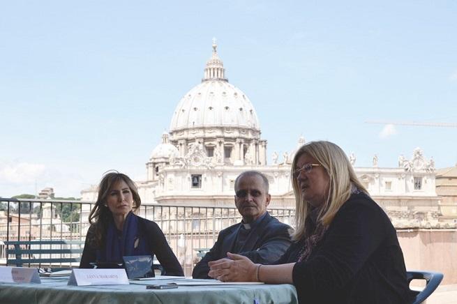 Da sinistra, la principessa Maria Pia Ruspoli, Mons. Franco Perazzolo e Liliana Marabini (foto Daniel Ibáñez, ICFF)