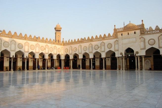 Il cortile interno dell'Università islamica di al-Azhar al Cairo, la più prestigiosa dell'islam sunnita