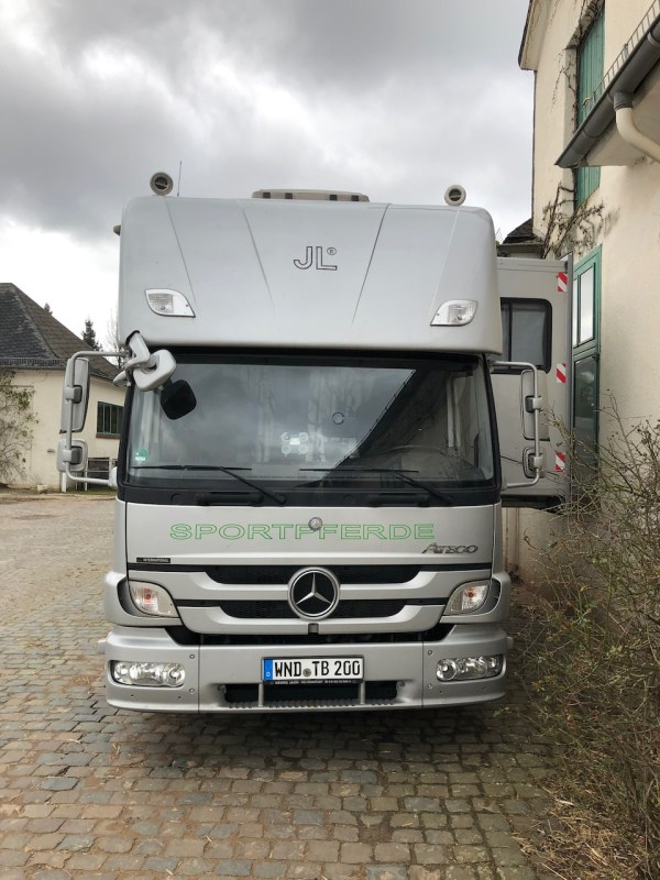 MERCEDES-BENZ ATEGO 1529 JL POP OUT