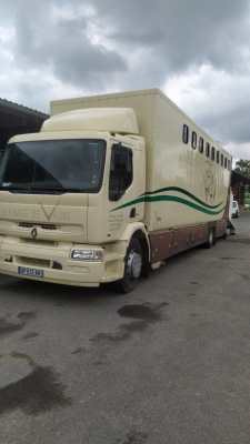 RENAULT PREMIUM 250 DCI 8 chevaux
