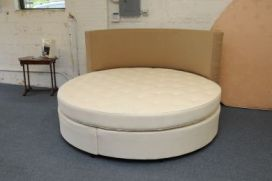The round mattress is the most popular.