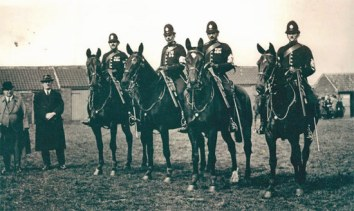 Hackney Show - Doncaster April 1923: PS 1671 Glassfield, PC 1758 Harry Blackburn, PC 1763 Stephenson, PC 733 Wilf Savage and Supt Blanchard in the Trilby.