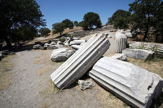 The ruins of ancient Troy will be examined by a cross-disciplinary team of scientists in an expedition led by UW-Madison classics professor William Aylward.