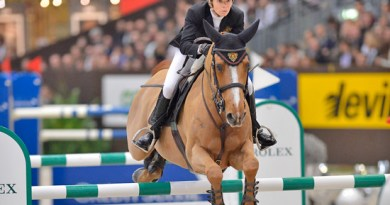 Edwina Tops-Alexander and Cevo Itot du Chateau.