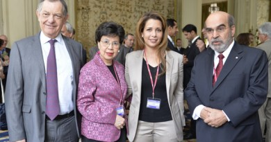 """Dr Bernard Vallat, OIE Director General, left, Dr Margaret Chan, Director-General of the World Health Organization, and, right, Mr José Graziano da Silva, Director-General of the Food and Agriculture Organization of the United Nations are pictured with FEI president Princess Haya, who is also president of the International Horse Sports Confederation, at the opening of the 2014 World Assembly of OIE Delegates General Session in Paris. The green light to adopt the """"high health, high performance horse"""" (HHP) concept was given at the gathering. Photo: Richard Juilliart/FEI"""