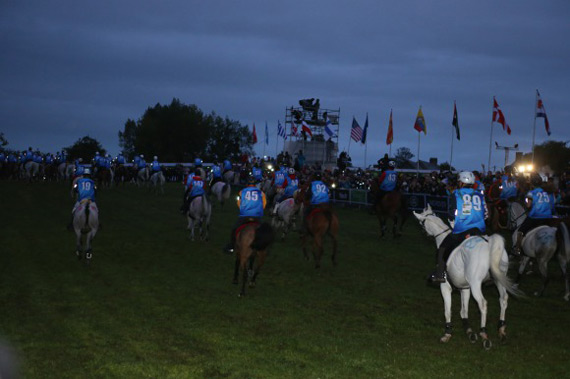 The start of the 160km endurance race at Sartilly.
