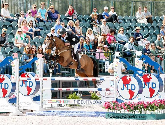 Daniel Jocelyn and Devil Munchkin on the stadium course at PBIEC.