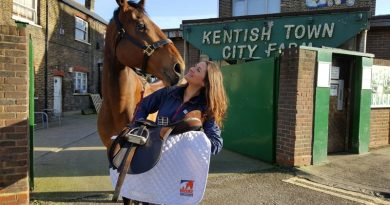 Brooke vet Ebony and her horse Francis Albert.