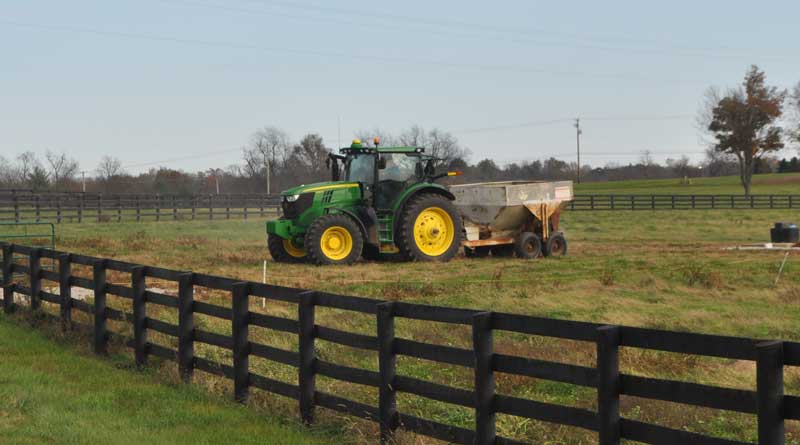 Fall nitrogen for cool-season pastures is best applied in split applications of 30-40 pounds of actual nitrogen per acre. Photo: University of Kentucky