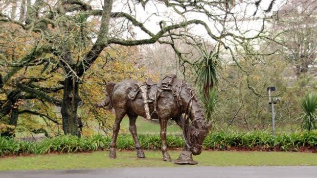 Hamilton War Horse was unveiled in Hamilton's Memorial Park on Armistice Day, 11 November 2017.