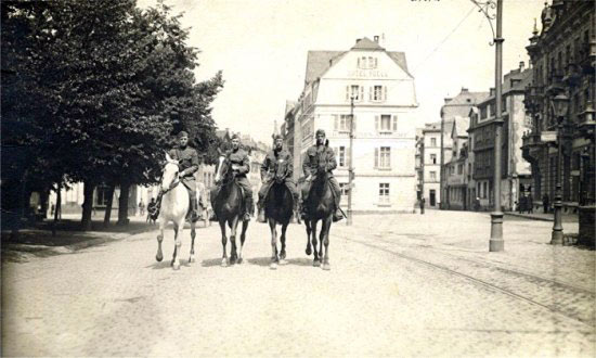 Field Remount Squadron No 306, picture taken in Germany, 1918, from left, Lt Warden, Crame, Fisher and Ehrenburg.