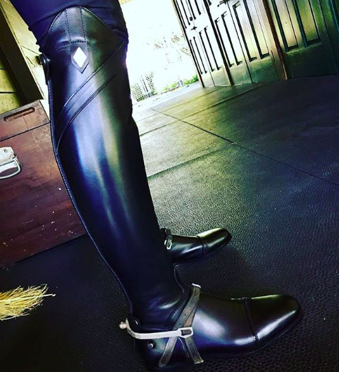 The 100% vegan Fabbri VEG riding boots.