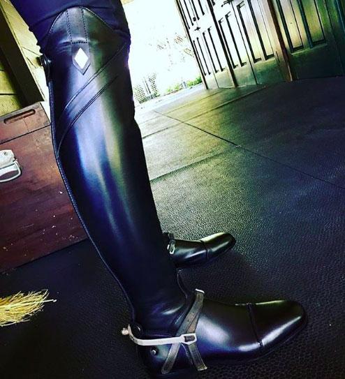 The 100% vegan Fabbri VEG riding boots.