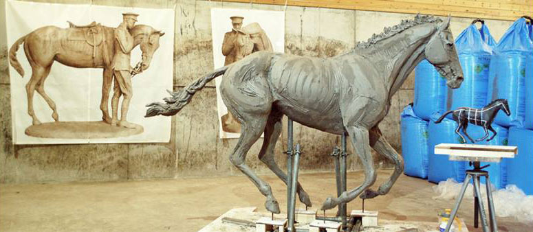 The sculptures by Amy Goodman celebrate the history of the former Arborfield Garrison, originally established as a horse hospital and veterinary centre for the Remount Depot in 1904.