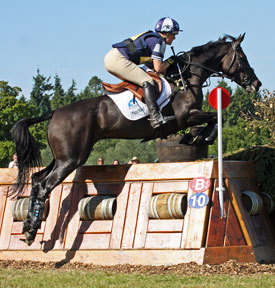 Lucy Wiegersma and Granntevka Prince winning the CCI*** at the 2009 Blenheim Horse Trials