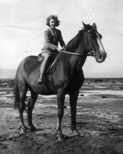 Lady Jean on Don Roberto's Criollo horse, Chaja.