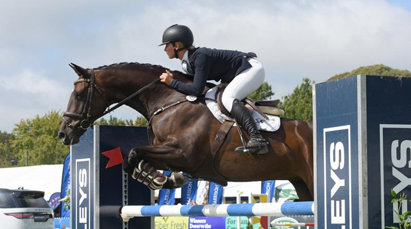 Madison Crowe and Waitangi Pinterest were runners-up for the Eventing Horse of the Year title.