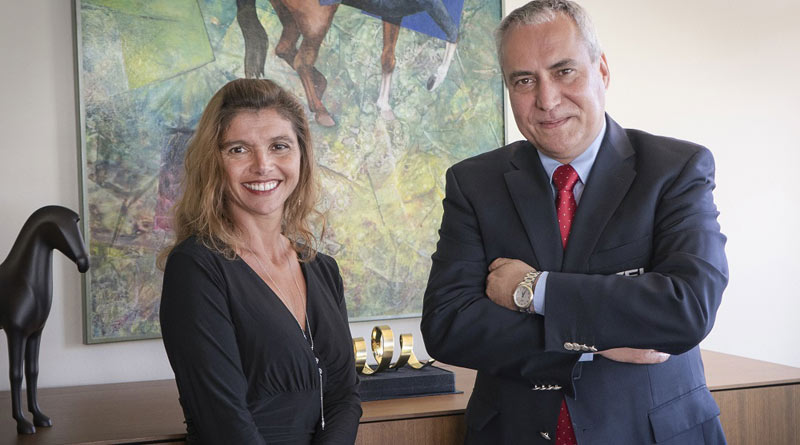 FEI President Ingmar De Vos with JustWorld International Founder and President Jessica Newman at FEI Headquarters in Lausanne, Switzerland, to mark a new partnership between the two organisations.