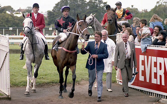 Our Flight after her victory in the 1982 Gr.1 New Zealand Derby (2400m).
