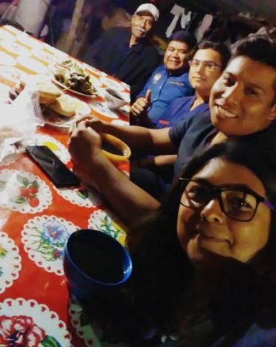 The donkey's owners invited Jaime Enrique Vasquez Rios, The Donkey Sanctuary Mexico's Oaxaca-based vet, and colleagues from Autonomous University Benito Juarez of Oaxaca, for a celebratory dinner.