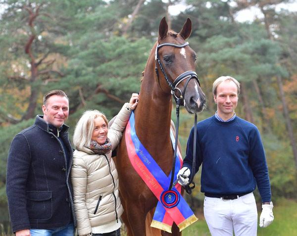 The son of Bon Coeur was sold to Dressurpferde Leistungszentrum Lodbergen for €660,000 at the Oldenburg Stallion Market.
