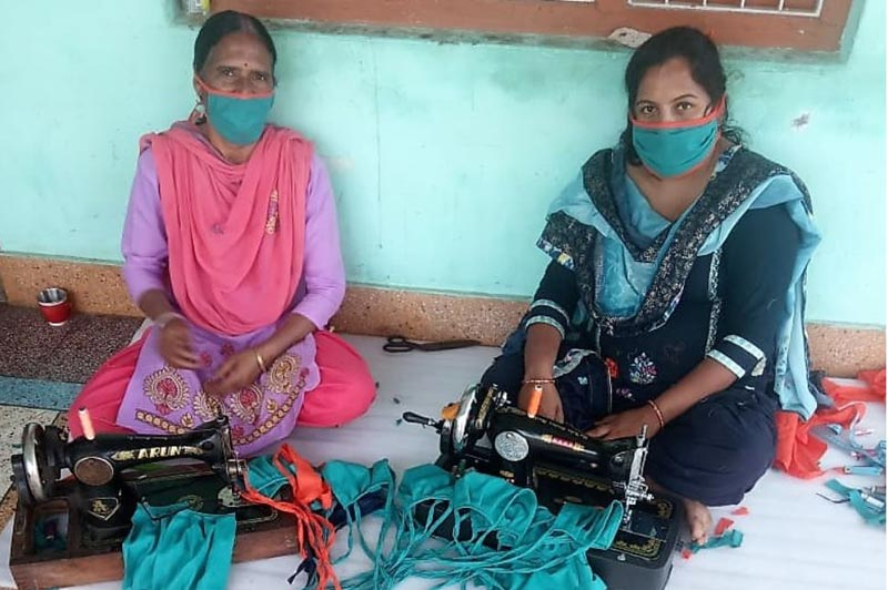 Video calls and a manual helped members of Brooke's Women Equine Welfare Groups learn to make cloth face masks.