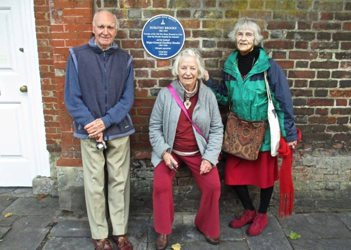 The unveiling at Malmesbury House in The Close was attended by Michael Brooke, grandson of Geoffrey, and Dorothy's granddaughters Sarah and Ann Searight.