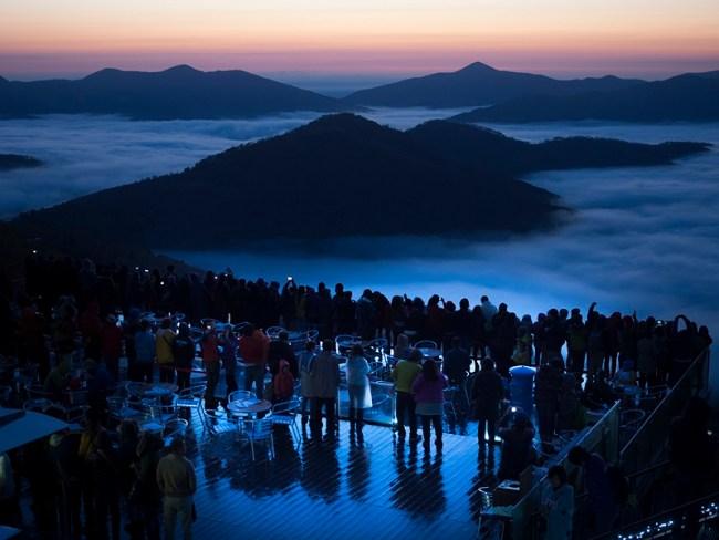 50万人達成当日、美しく広がるトマム産雲海