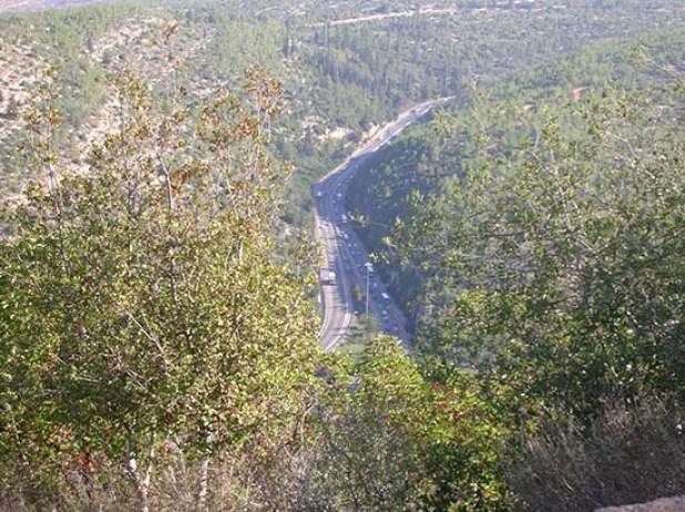 תצפית על כביש מספר 1 לירושלים