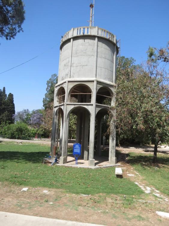 מגדל המים כפר יהושע