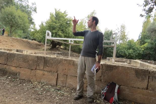 עודד פורת באתר הפולחן של דן - עודד היה המדריך שלי בקטע הראשון שלי בשביל ישראל. לעולם לא אשכח את הר כחל!