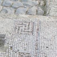 בית הכנסת העתיק של באלה - מה זה מזכיר לך?