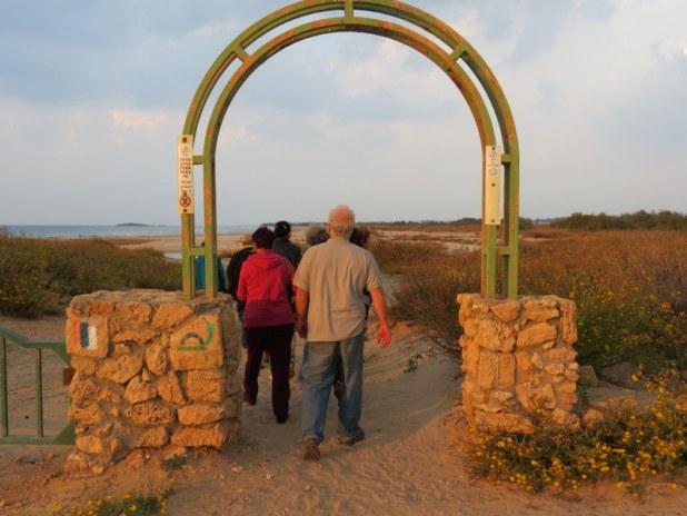 שביל ישראל בשמורת טבע נחל תנינים