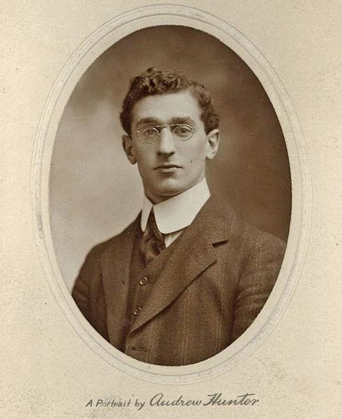 דיוקנו של סיר אריה ליאון סימון (1911)