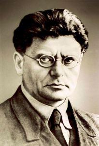 """פנחס רוטנברג מנכ""""ל חברת החשמל בשנים 1923 - 1941 ויו""""ר מועצת המנהלים של חברת החשמל 1923 - 1926 יחוס: Israel Electric Corporation (חברת החשמל לישראל)"""