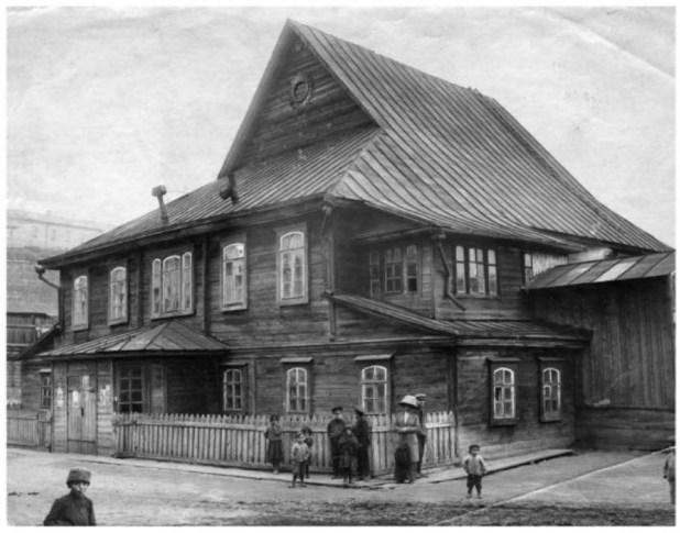 מוגילב (בלארוס) בית הכנסת העתיק העשוי עץ שנשרף על ידי הנאצים ב-1939 Photo:David Fisher
