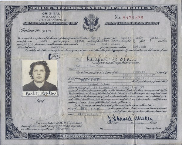 Rachel Grossman-Cohen becomes an American citizen