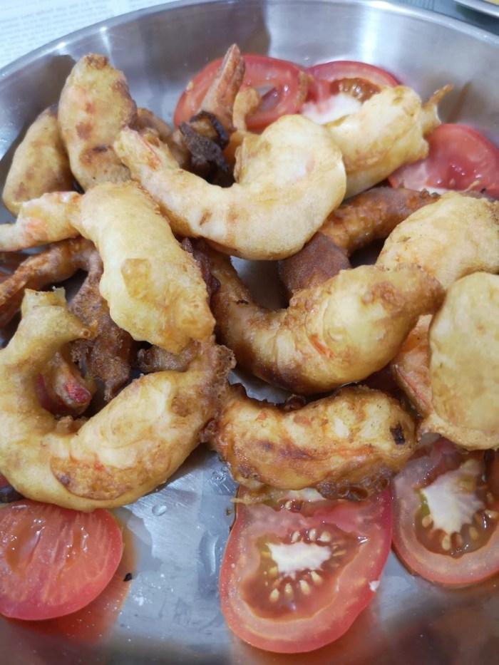 Deep fried prawn fritters