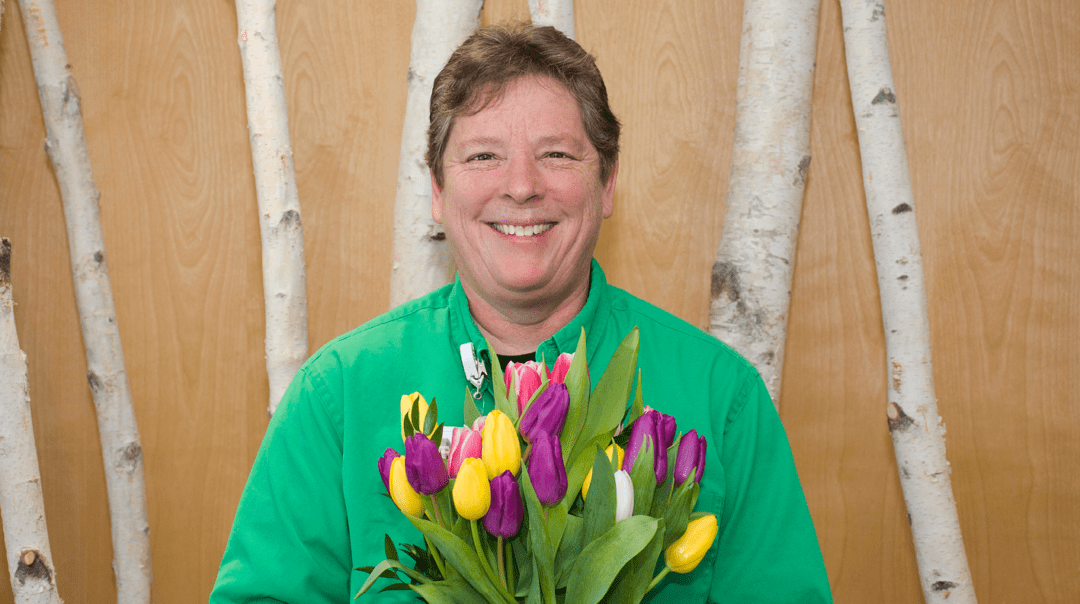 Social Worker Janet Dickens Honored With Bouquet Of Recognition Award