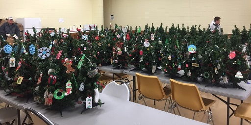 Ohio's Hospice Of Miami County Volunteers Decorate And Deliver Trees