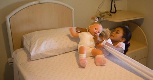 Brinquedo terapêutico: viver o brincar dentro do Hospital