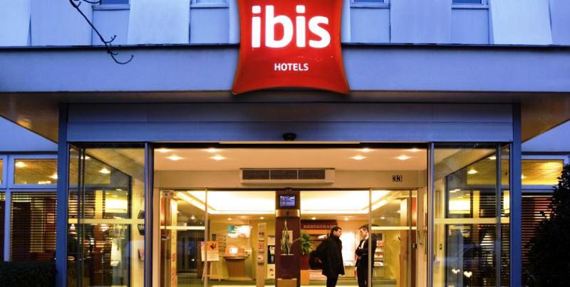 Hotel IBIS job